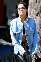 Vanessa Hudgens - Leaving Yoga Class in Studio City 08/23/2018