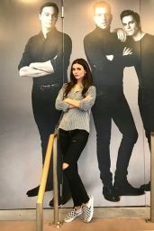 Victoria Justice - Social Media 08/17/2018