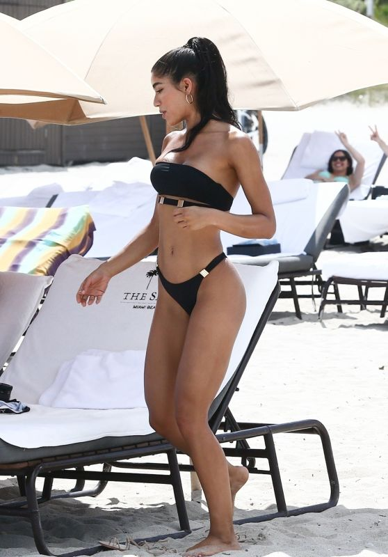 Yovanna Ventura in Bikini on the Beach in Miami 08/18/2018