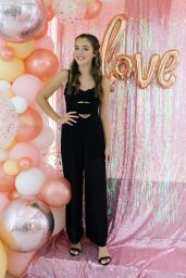 Alexa Nisenson – Mackenzie Ziegler Launches New BeautyLine, Love, Kenzie in Hollywood 09/16/2018