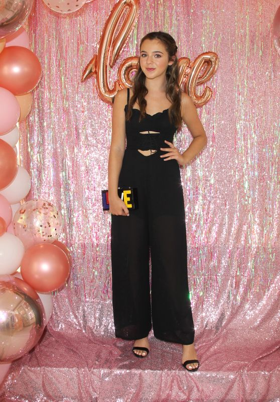 Alexa Nisenson – Mackenzie Ziegler Launches New BeautyLine, Love, Kenzie in Hollywood 09/16/2018