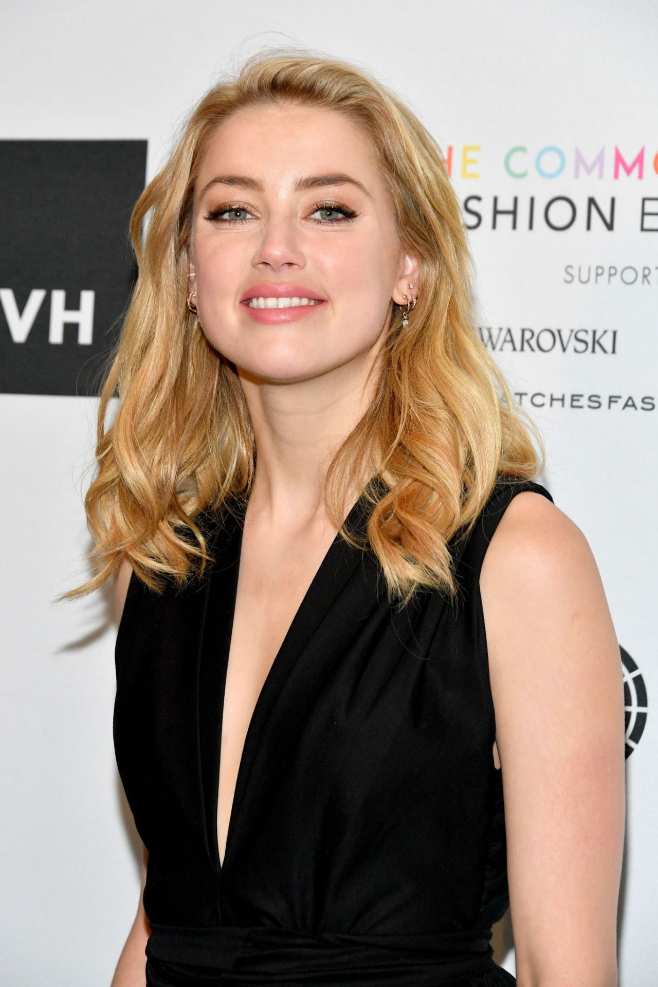 Amber Heard – Fashion 4 Development's 8th Annual Official ...