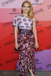 """Anna Chlumsky - """"29Rooms"""" Opening Night in Brooklyn 09/05/2018"""