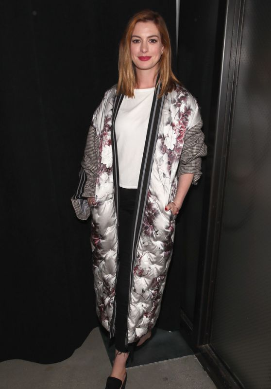 Anne Hathaway - Bosideng Show at NYFW 09/11/2018