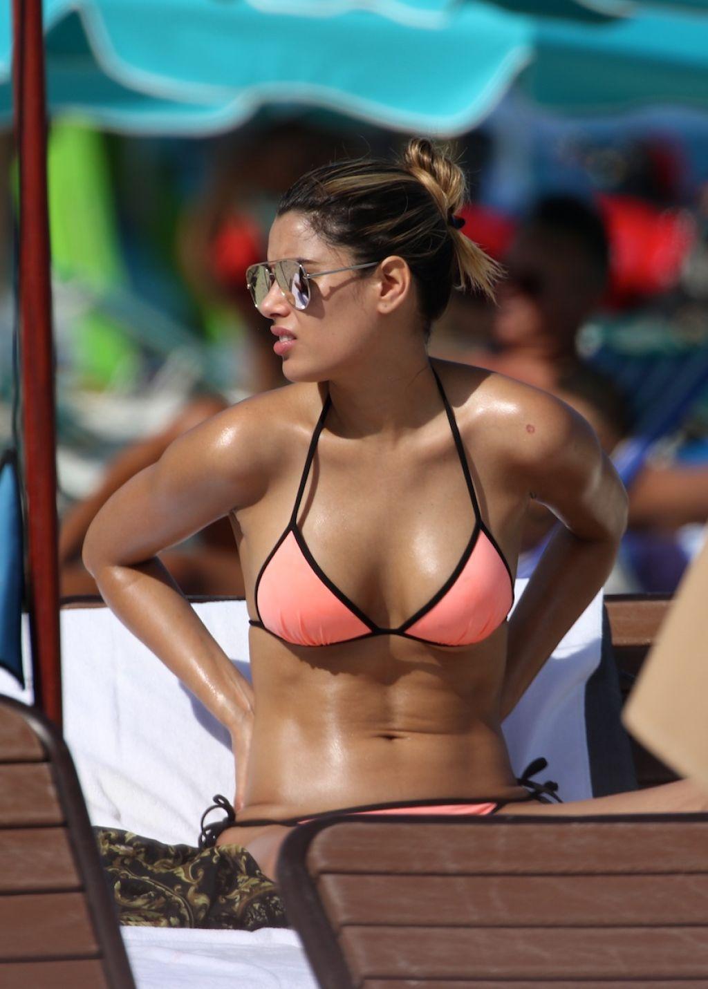 Taylor-joy bikini anya anya taylor