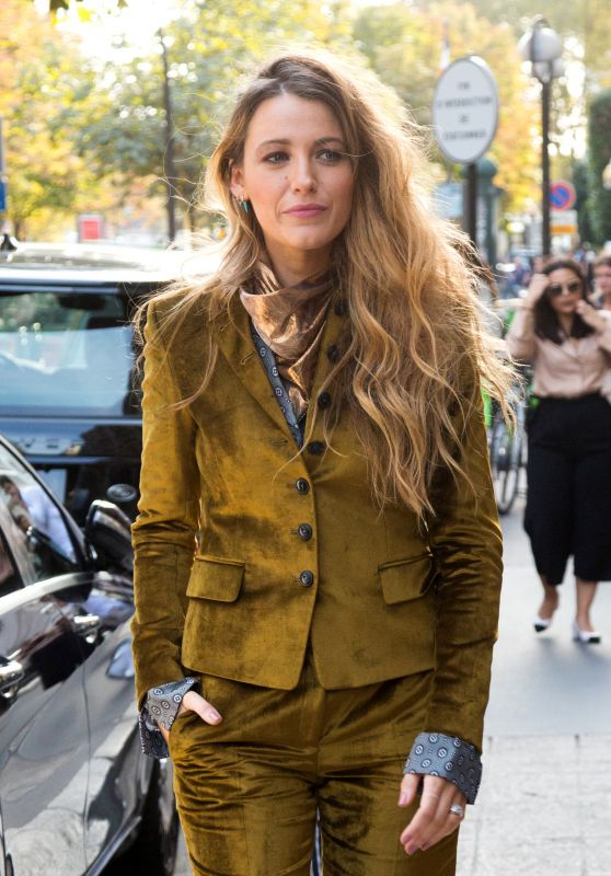 Blake Lively - Leaving Her Hotel in Paris 09/20/2018