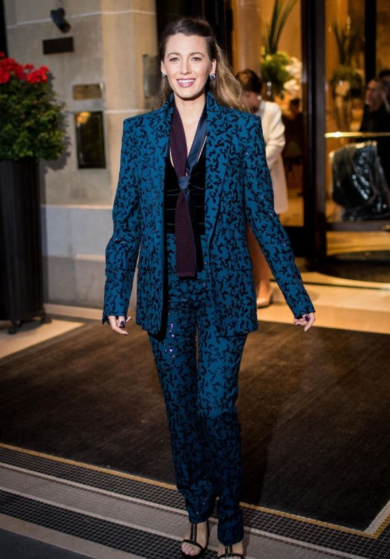 Blake Lively - Leaving the hotel Plaza Athenee in Paris 09/18/2018