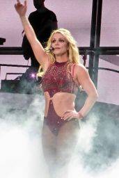 "Britney Spears - Performs on ""Piece Of Me"" Tour in Blackpool 09/01/2018"