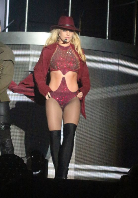 """Britney Spears - Performs on """"Piece Of Me"""" Tour in Blackpool 09/01/2018"""