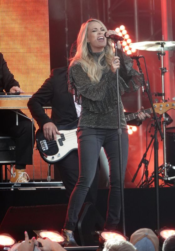 Carrie Underwood at Jimmy Kimmel Live Studio in Los Angeles 09/19/2018