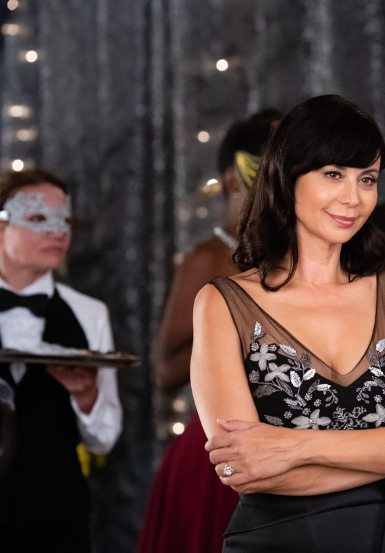 "Catherine Bell - ""Good Witch A Tale of Two Hearts"" Photos (2018)"