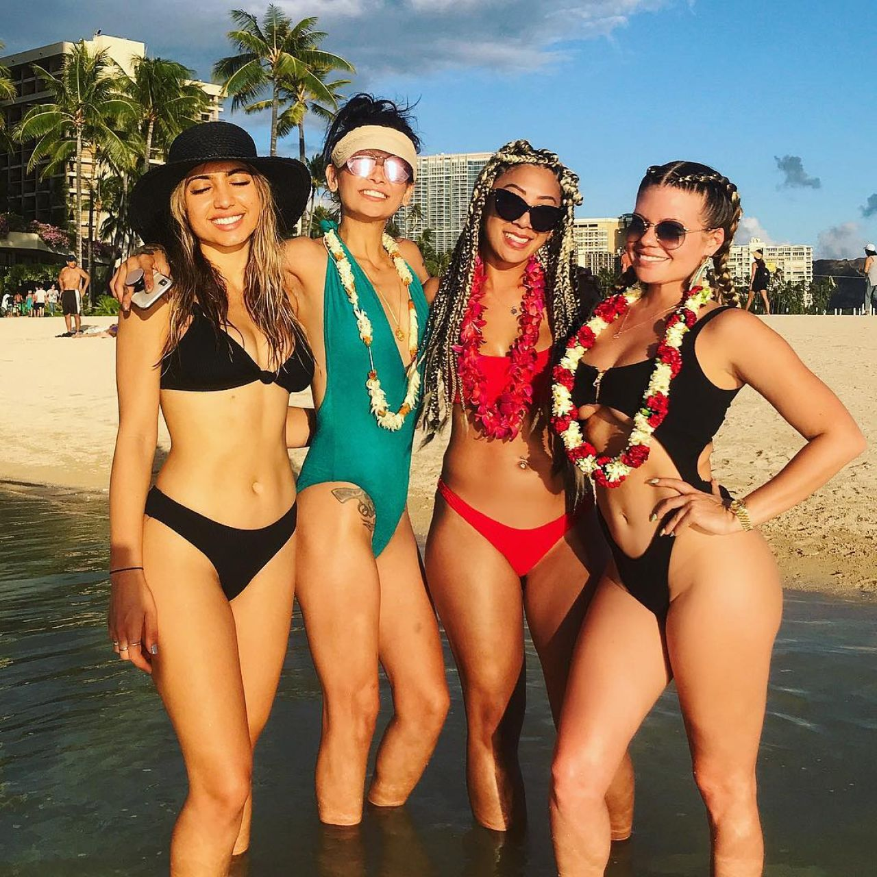 Chanel West Coast - Personal Pics 09022018-3936