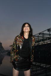 Charlotte Gainsbourg – Saint Laurent Show, Paris Fashion Week 09/25/2018