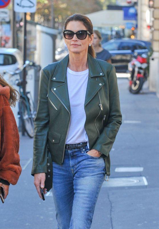 Cindy Crawford in Paris for Paris Fashion Week 09/27/2018