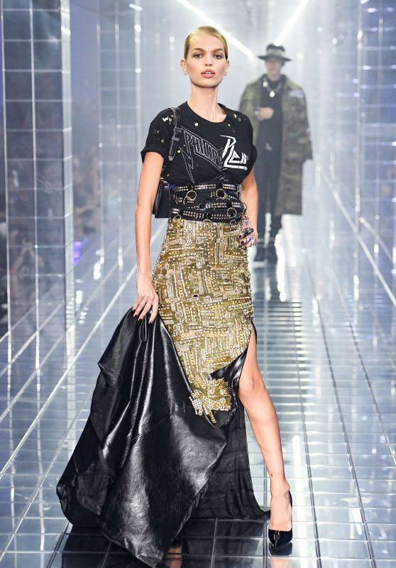 Daphne Groeneveld Walks Philipp Plein Show, Milan Fashion Week 09/21/2018