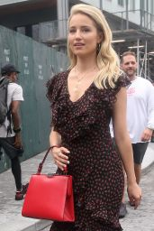 Dianna Agron – Arriving to Michael Kors Fashion Show in New York 09/12/2018