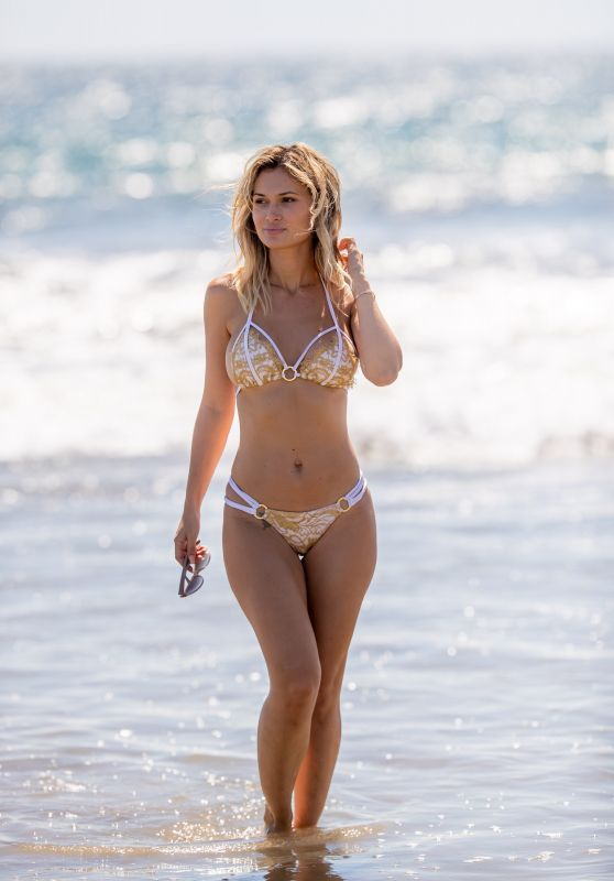 Ella Rose Hot in Bikini on the Beach in Santa Monica 09/20/2018