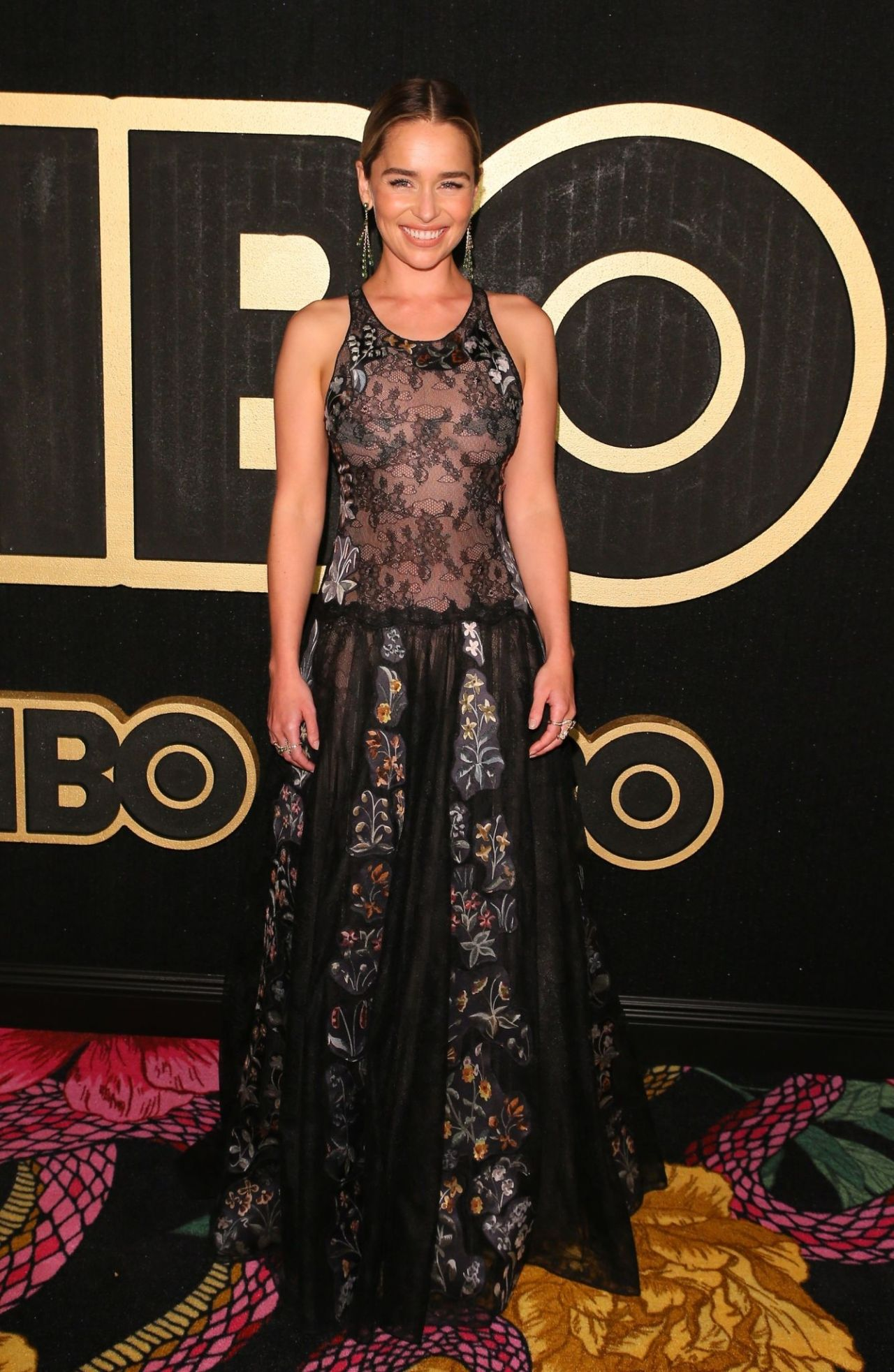 https://celebmafia.com/wp-content/uploads/2018/09/emilia-clarke-2018-emmy-awards-hbo-party-6.jpg