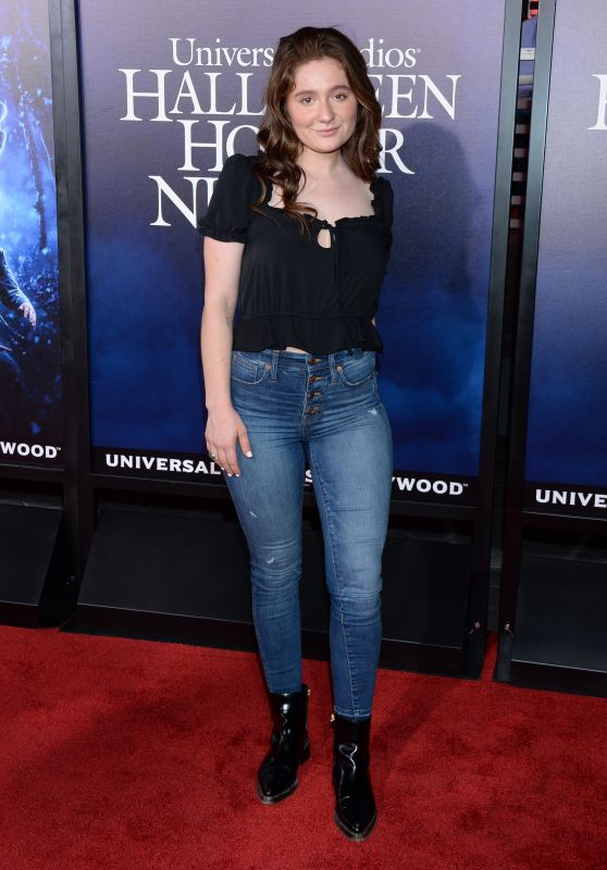 "Emma Kenney – Universal Studios ""Halloween Horror Nights"" in Hollywood 09/14/2018"