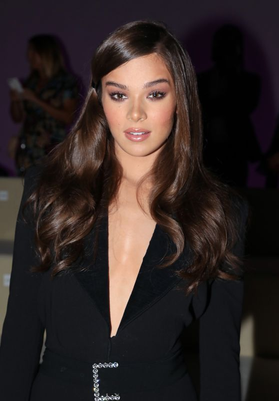 Hailee Steinfeld - Tom Ford Spring Summer 2019 Fashion Show at New York Fashion Week