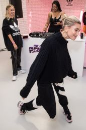 Hailey Baldwin - Hailey Baldwin x Adidas Spring Summer 2019 Show at LFW 09/17/2018