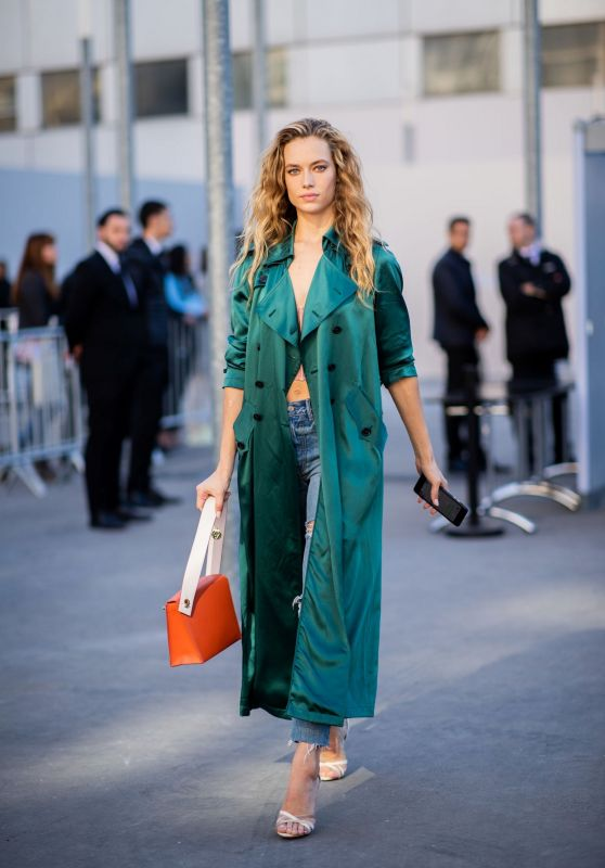 Hannah Ferguson – Leaving Chloe Fashion Show in Paris 09/27/2018