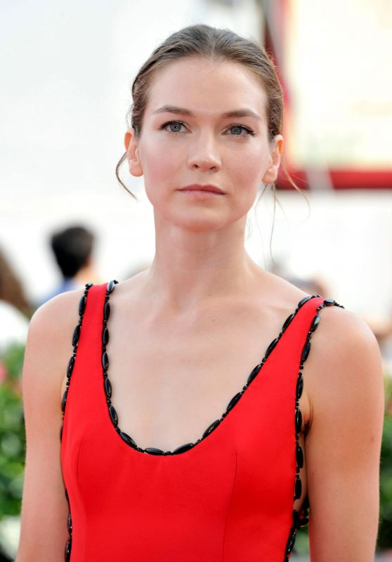 "Hannah Gross - ""The Mountain"" Photocall at Venice Film Festival"