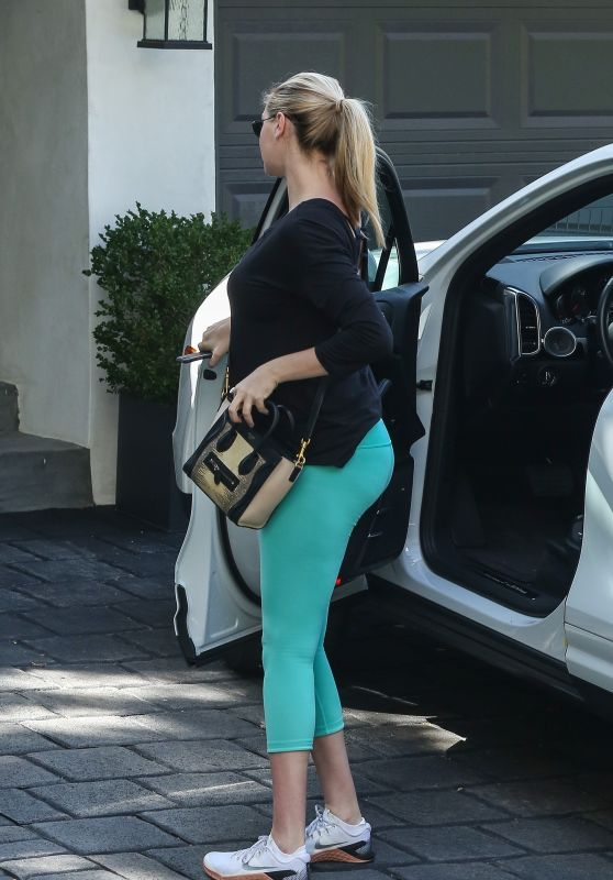 Kate Upton in Tights Out in West Hollywood 09/28/2018