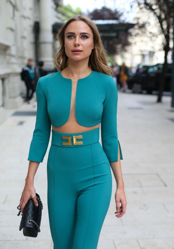 Kimberley Garner - Milan Fashion Week 09/22/2018