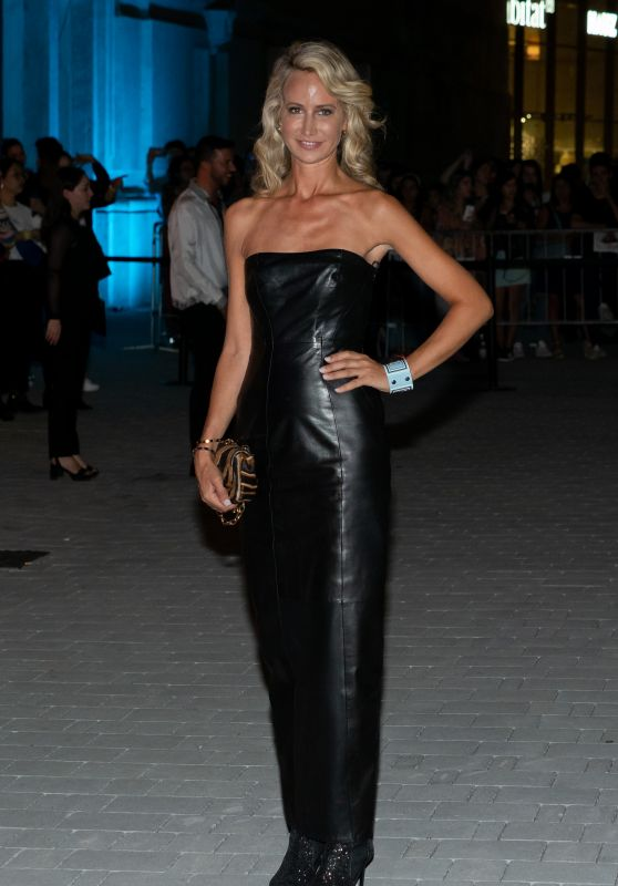 Lady Victoria Hervey - Arrives at the Versace Show, Milan Fashion Week 09/21/2018