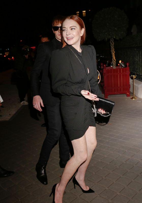 Lindsay Lohan - Arriving at Her Hotel in Paris 09/25/2018