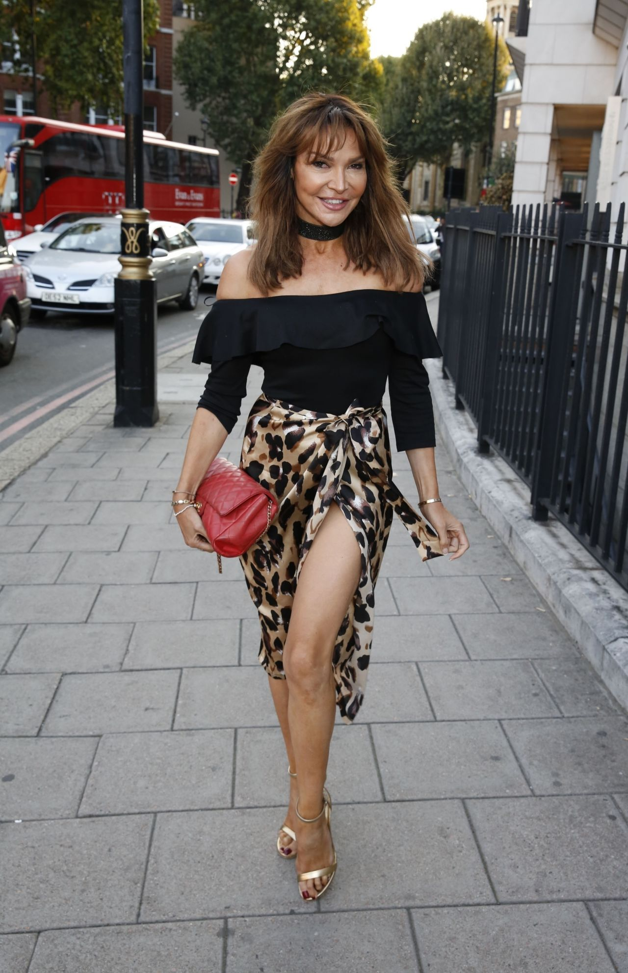 Fotos Lizzie Cundy nude (37 photos), Sexy, Is a cute, Selfie, cleavage 2020