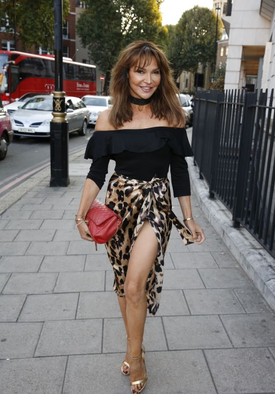 Lizzie Cundy - Miss Mango Tree 2018 in London