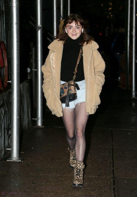 Maisie Williams in Daisy Duke Shorts in New York City 09/10/2018