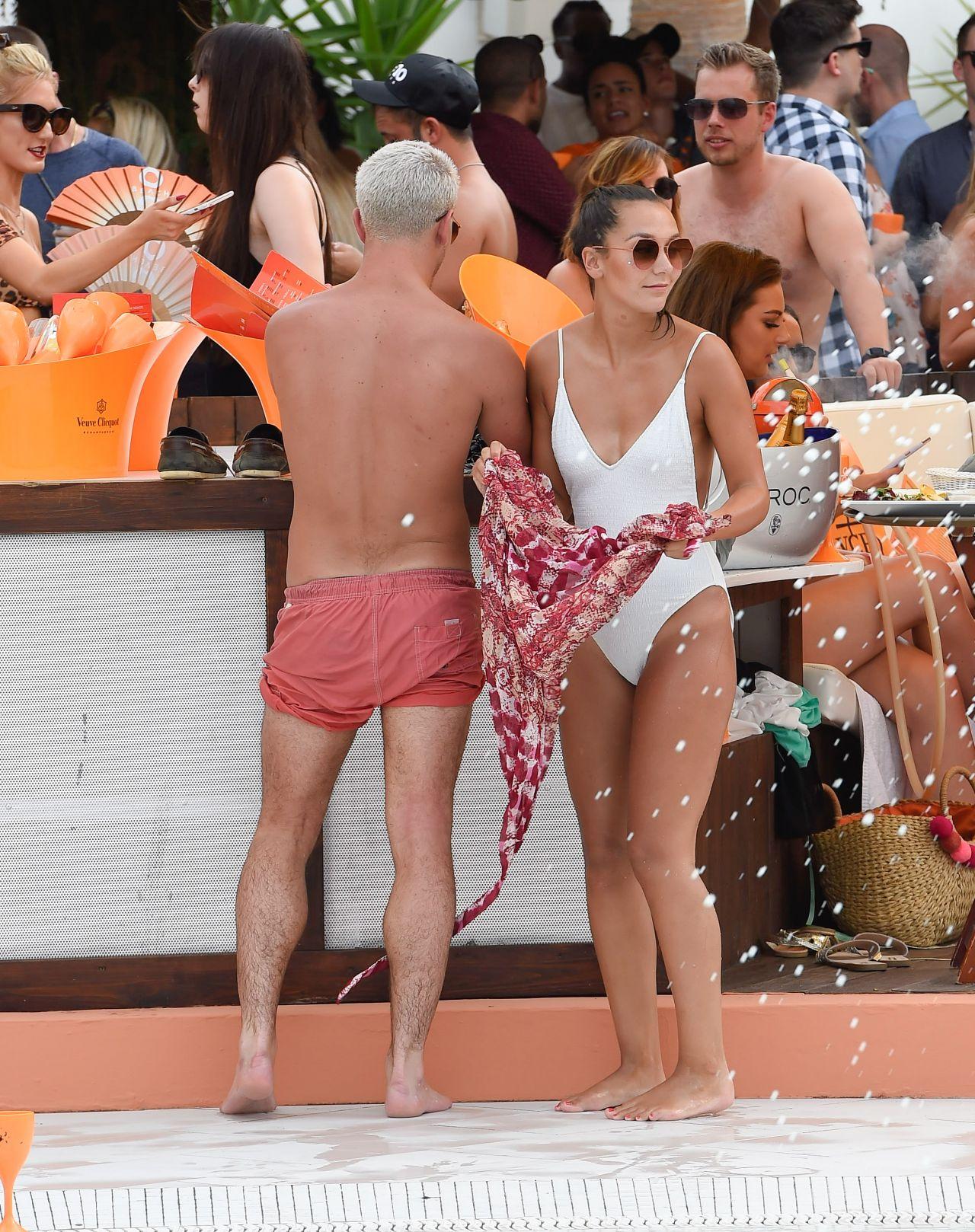 Celebrity Nadine Mulkerrin nudes (58 photos), Tits, Bikini, Boobs, cameltoe 2019