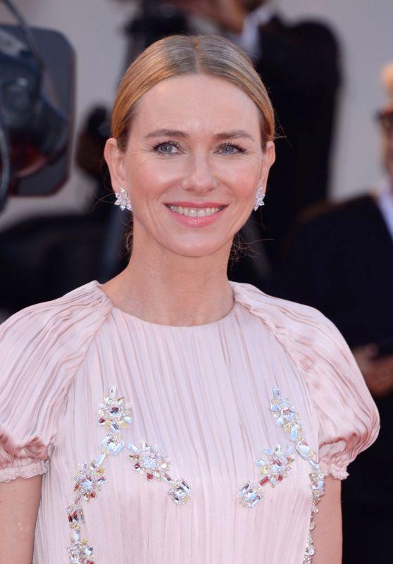 """Naomi Watts – """"Roma"""" Premiere at Venice Film Festival"""