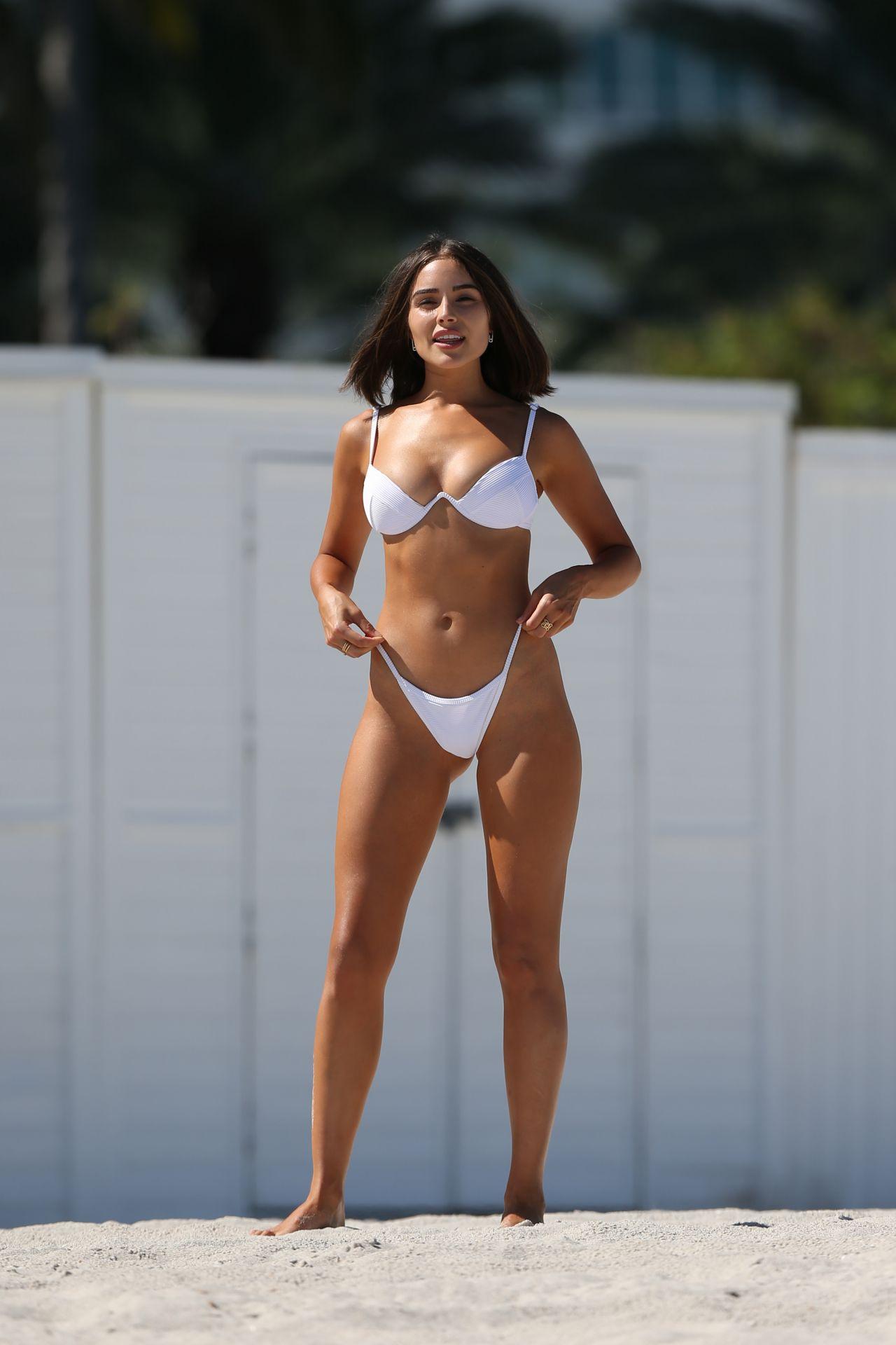 Olivia Culpo Hot In Bikini Beach In Miami 09 25 2018
