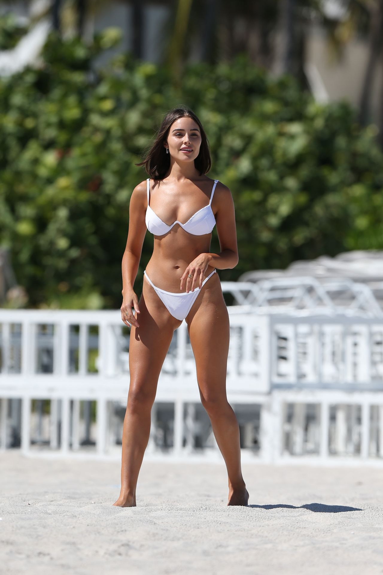 Olivia Culpo Hot In Bikini Beach In Miami 09 25 2018