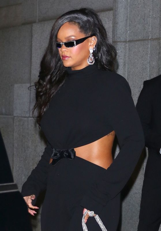 Rihanna at Cipriani Wall Street Restaurant in New York 09/13/2018