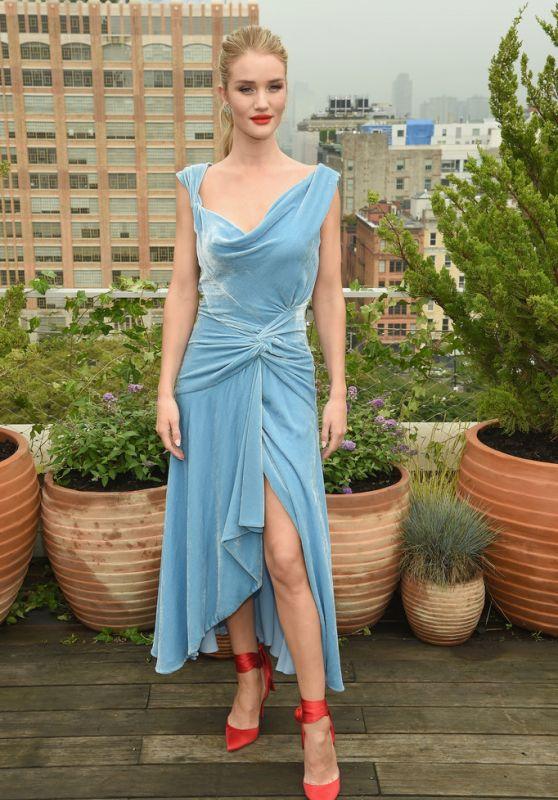Rosie Huntington-Whiteley – Oscar De La Renta Show at NYFW 09/11/2018