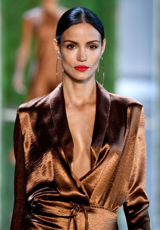 Sofia Resing – Cushnie Fashion Show at NYFW 09/07/2018