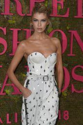 Stella Maxwell – Green Carpet Fashion Awards in Milan 09/23/2018