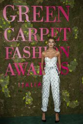 Stella Maxwell – Green Carpet Fashion Awards in Milan 09/23/2018