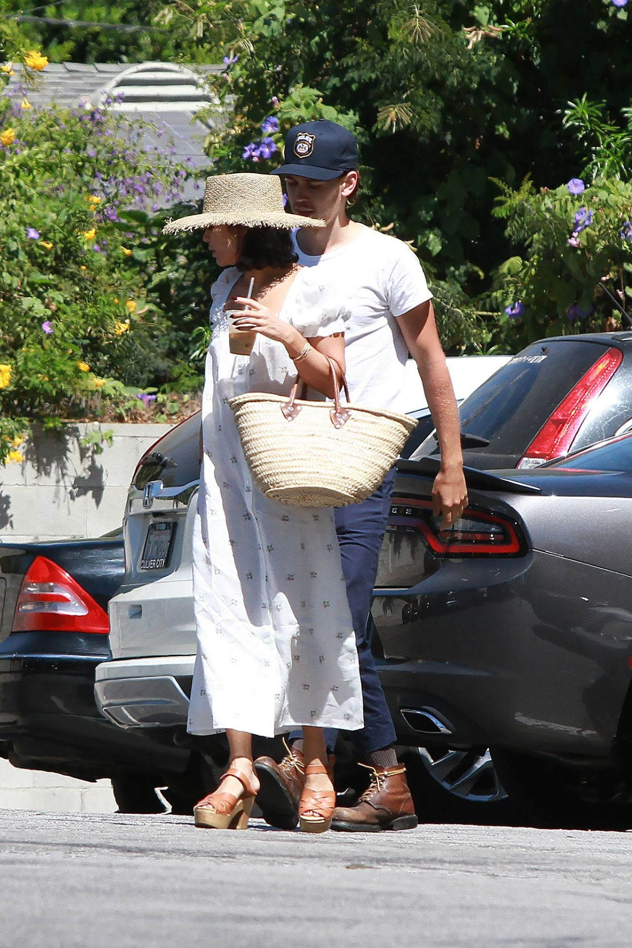 Vanessa Hudgens With Boyfriend Austin In Studio City 09 16