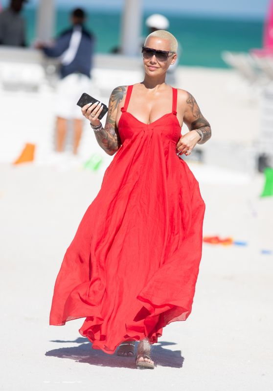 Amber Rose on the Beach in Miami 10/29/2018