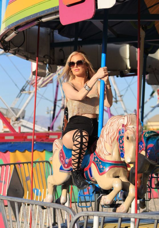 Ana Braga - Shopping for Pumpkins and Riding a Carousel in LA 10/29/2018