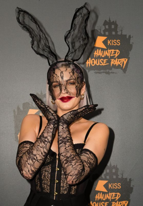 Anne Marie – 2018 KISS Haunted House Party in London