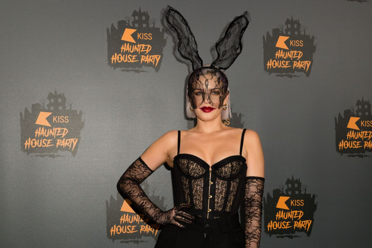 Anne Marie 2018 KISS Haunted House Party In London