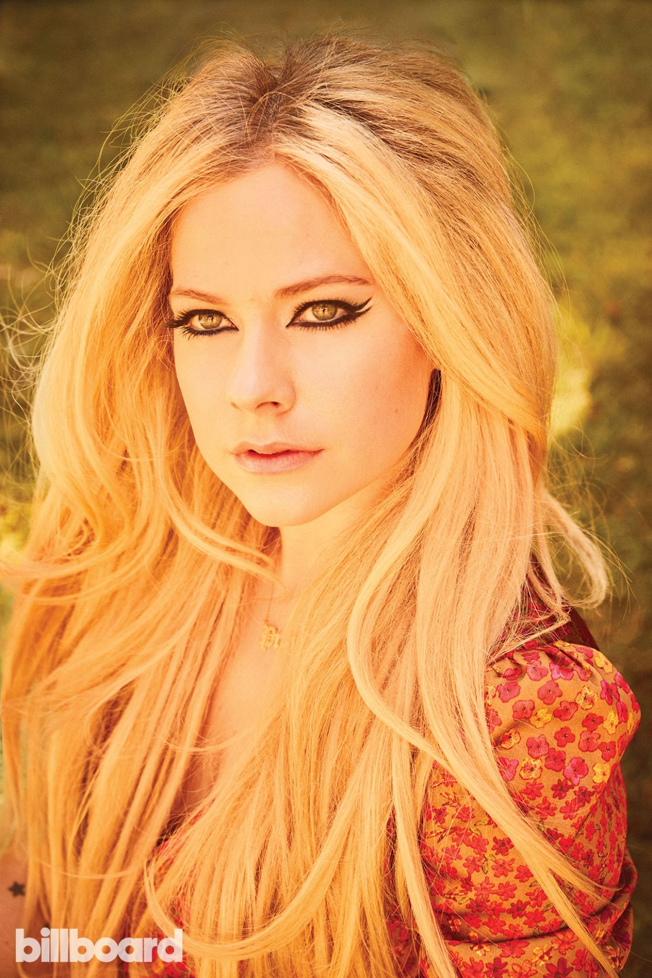 https://celebmafia.com/wp-content/uploads/2018/10/avril-lavigne-billboard-magazine-10-20-2018-7.jpg