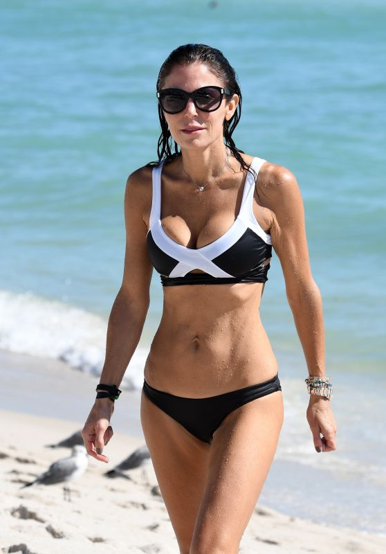 Bethenny Frankel in a Black and White Bikini on the Beach in Miami